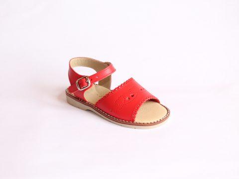 Sandalia de niña de pala en piel.