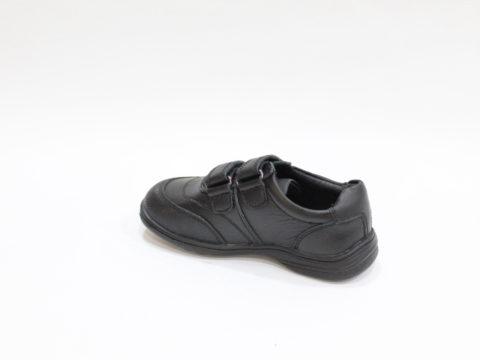 Zapato Colegial puntera reforzada.
