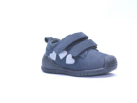 Zapatos primeros pasos niña.